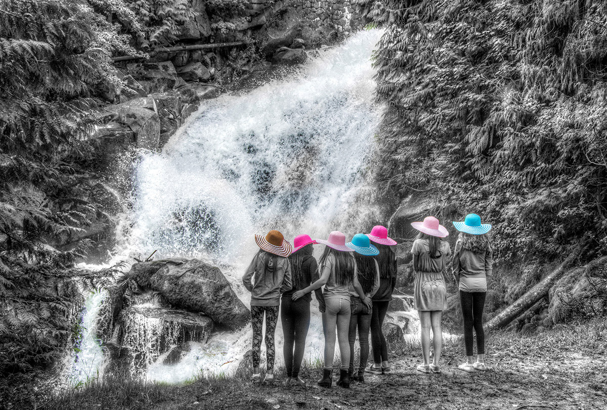 cottonwood falls girls Hidden falls is a waterfall located up big cottonwood canyon at only 0,25 miles roundtrip, you can do it in combination with others up the canyon.