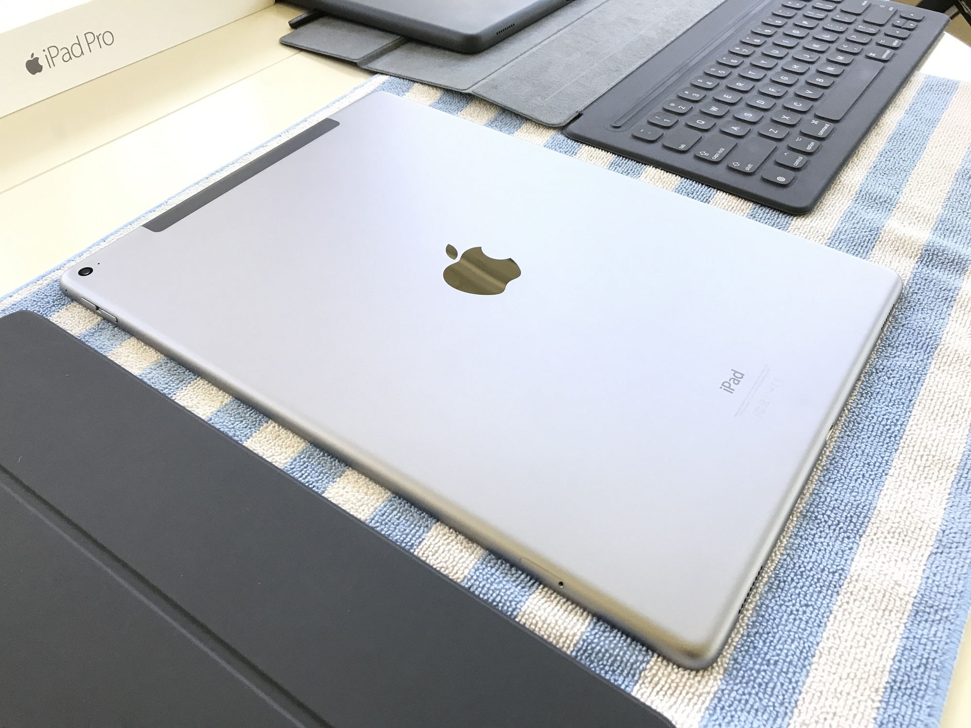 sold ipad pro 12 9 inch wi fi cellular 128gb space gray keyboard and cases fm forums. Black Bedroom Furniture Sets. Home Design Ideas