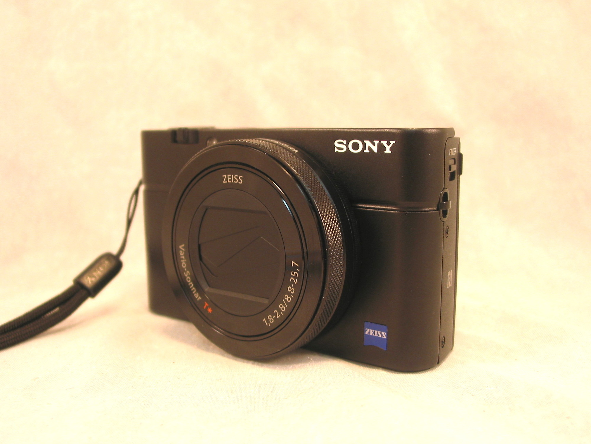 Sold: SONY RX100 IV DIGITAL POINT & SHOOT CYBER-SHOT CAMERA