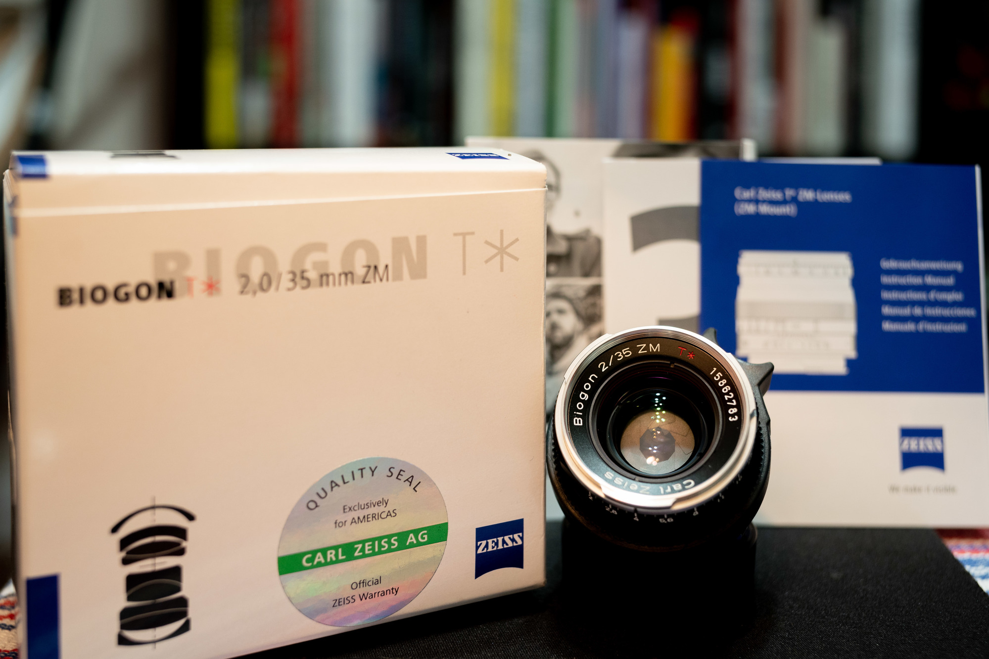 Sold: Zeiss Biogon ZM 35mm f/2 0 & Biogon ZM 25mm f/2 8 w/box & Lens