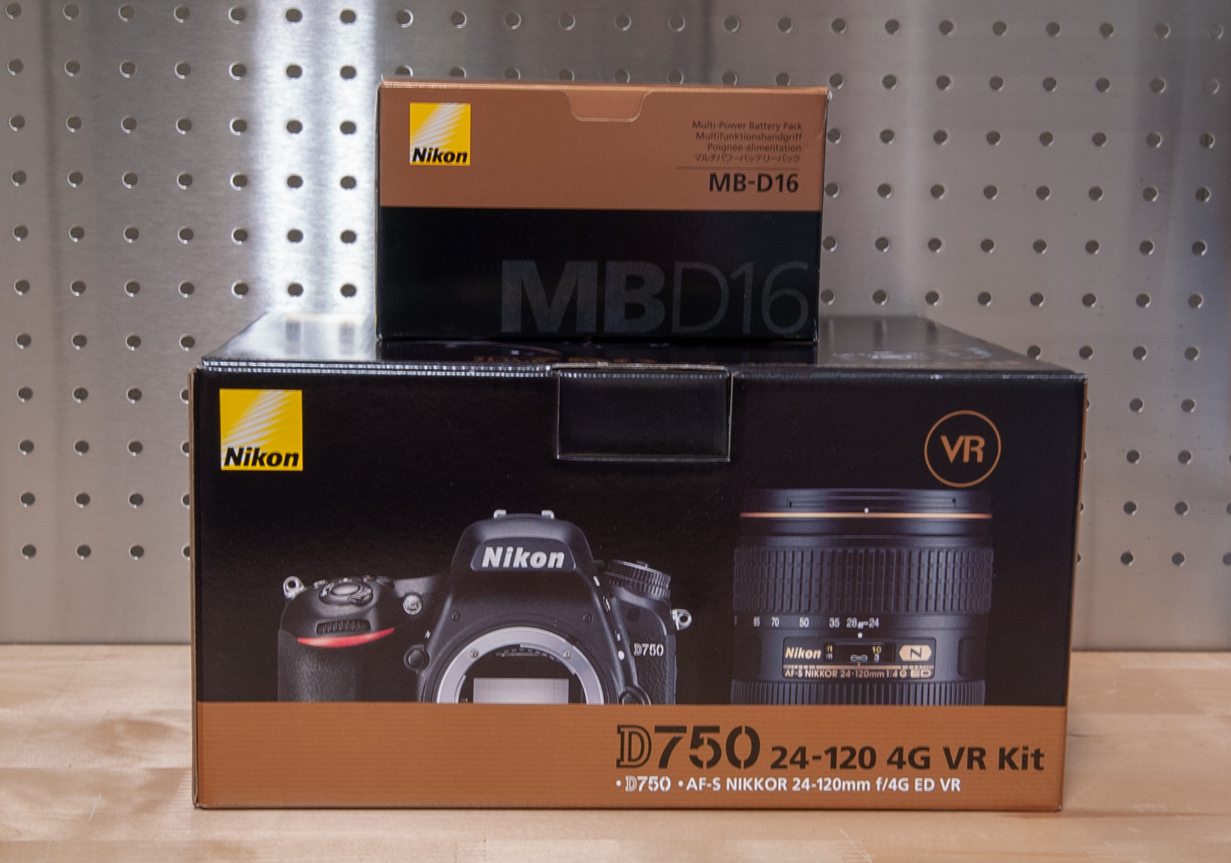 Sold: Nikon D750 + MB-D16 Grip + RRS Bracket - FM Forums