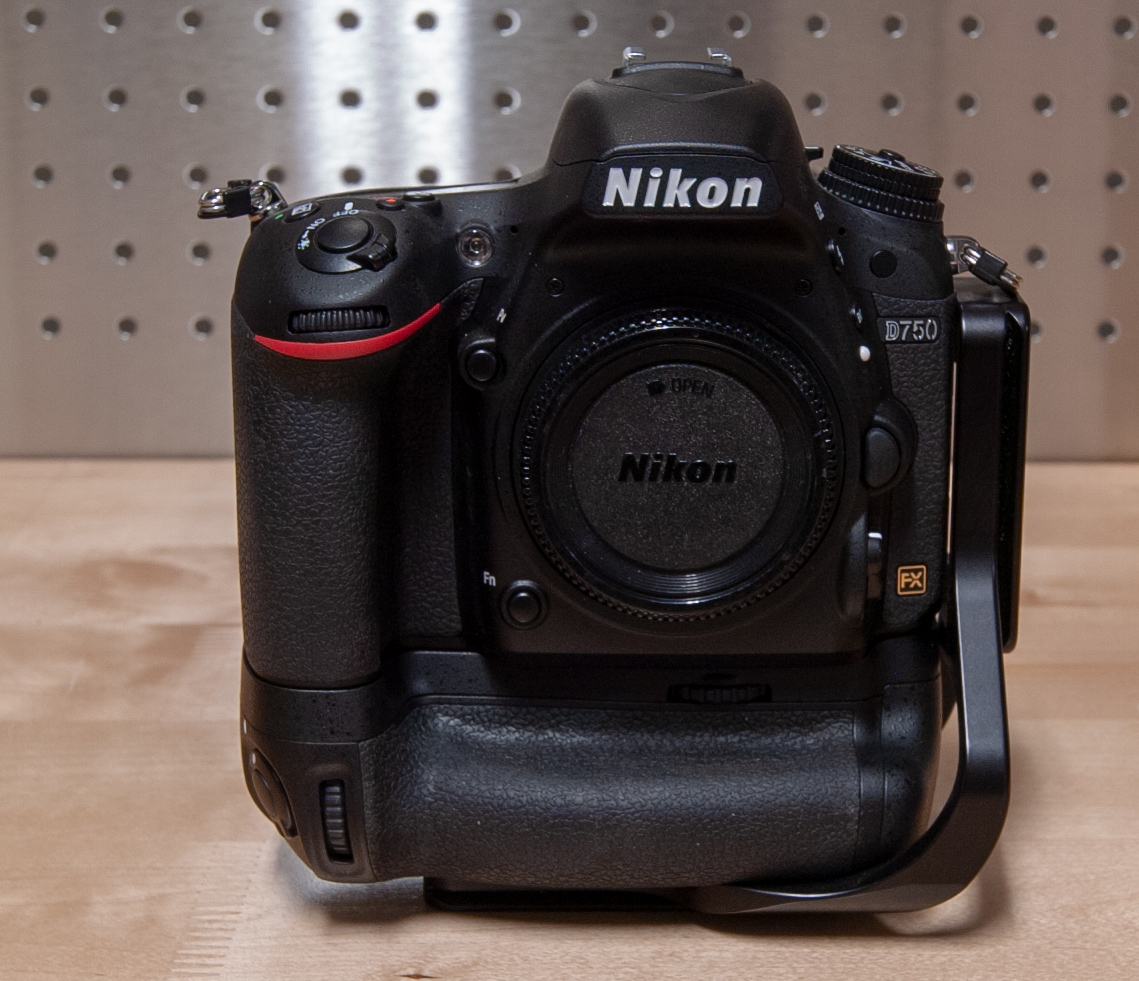 Sold: Nikon D750 + MB-D16 Grip + RRS Bracket - FM Forums