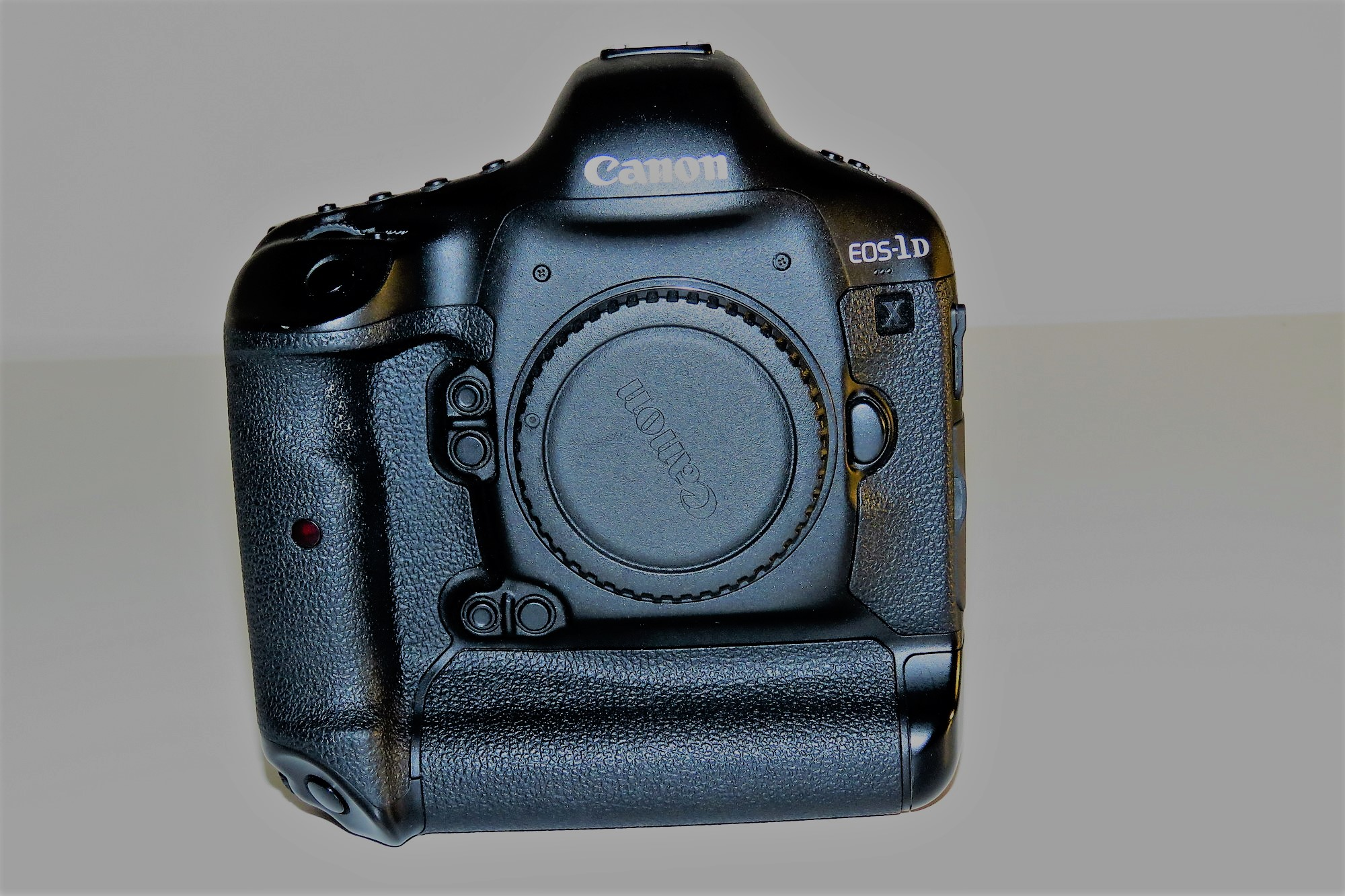 Sold: $2250 OBO Like New Canon EOS 1DX - FM Forums