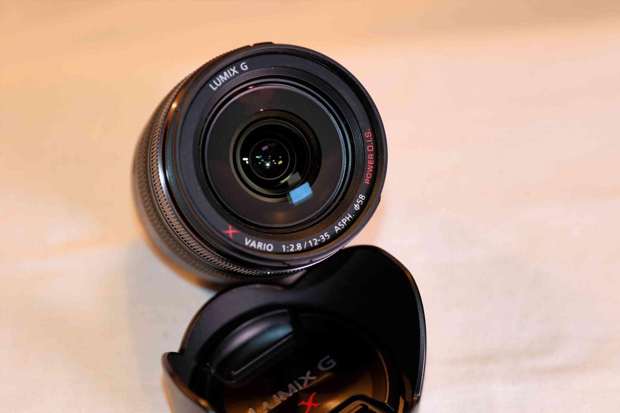 FS: Panasonic 12-35 mm F2 8