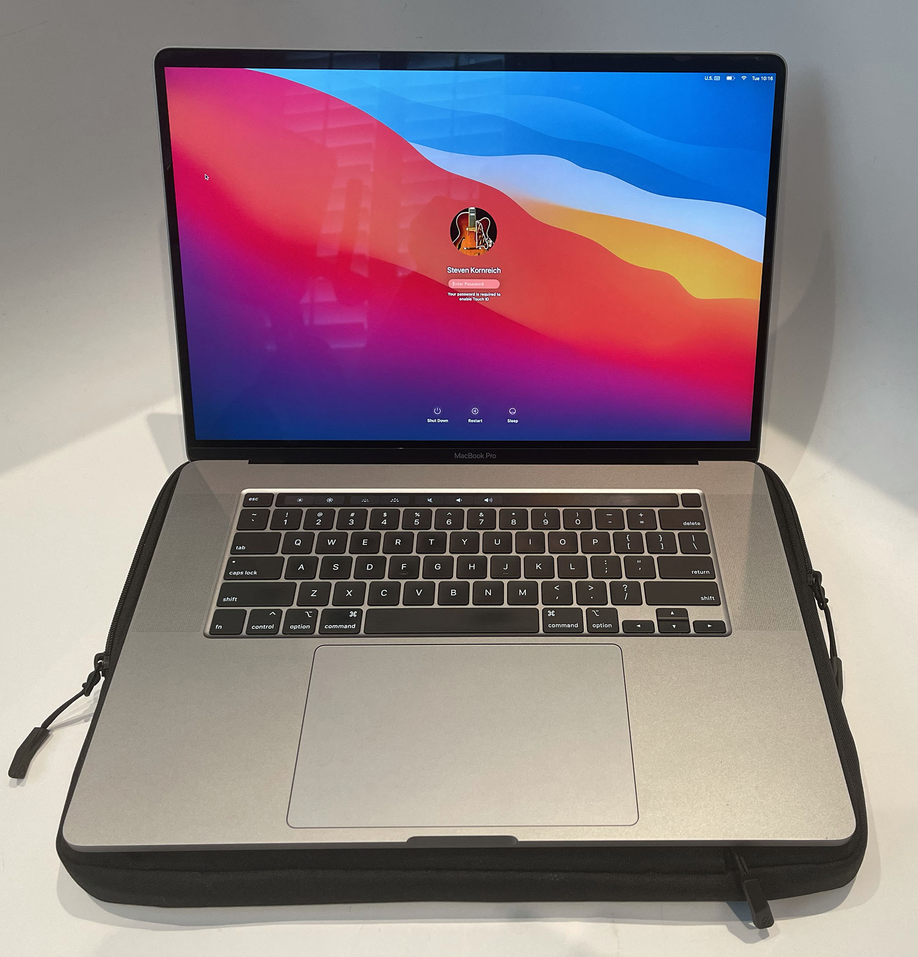 Sold: Apple MacBook Pro 16 inch 2019 loaded - FM Forums