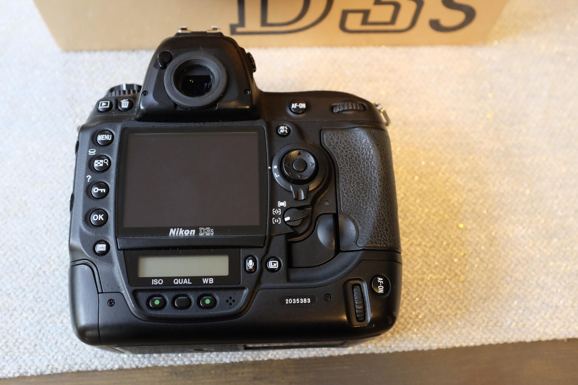 Sold: Nikon D3s 57,944 Actuations - FM Forums